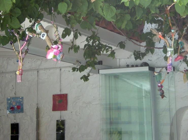 Ayna Bahce-Filmler_agactaki kuslar (Garden Filmstrips_Birds in Trees)